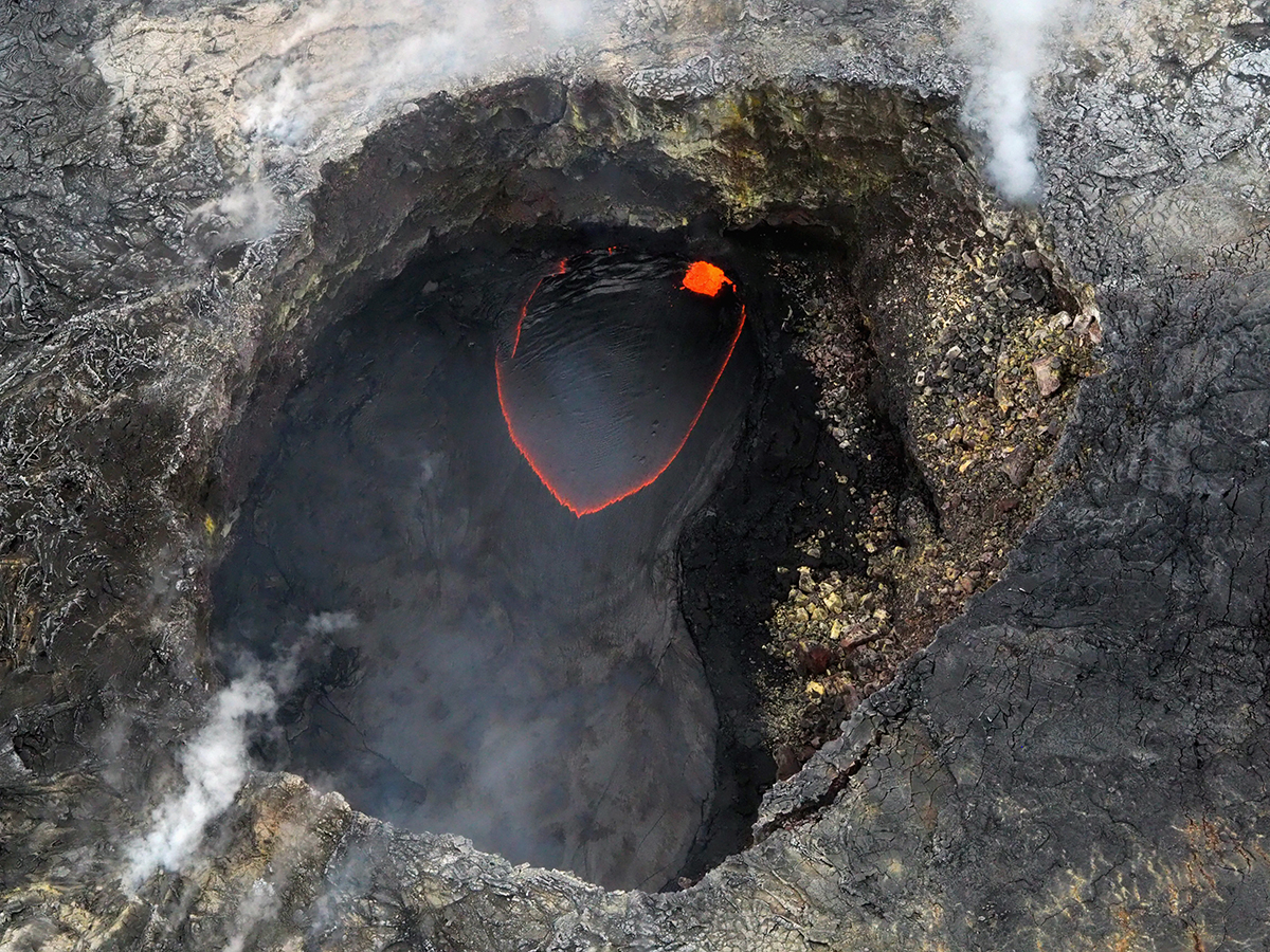 Euriental | luxury travel & style | bubbling magma, Guide to Big Island, Hawaii