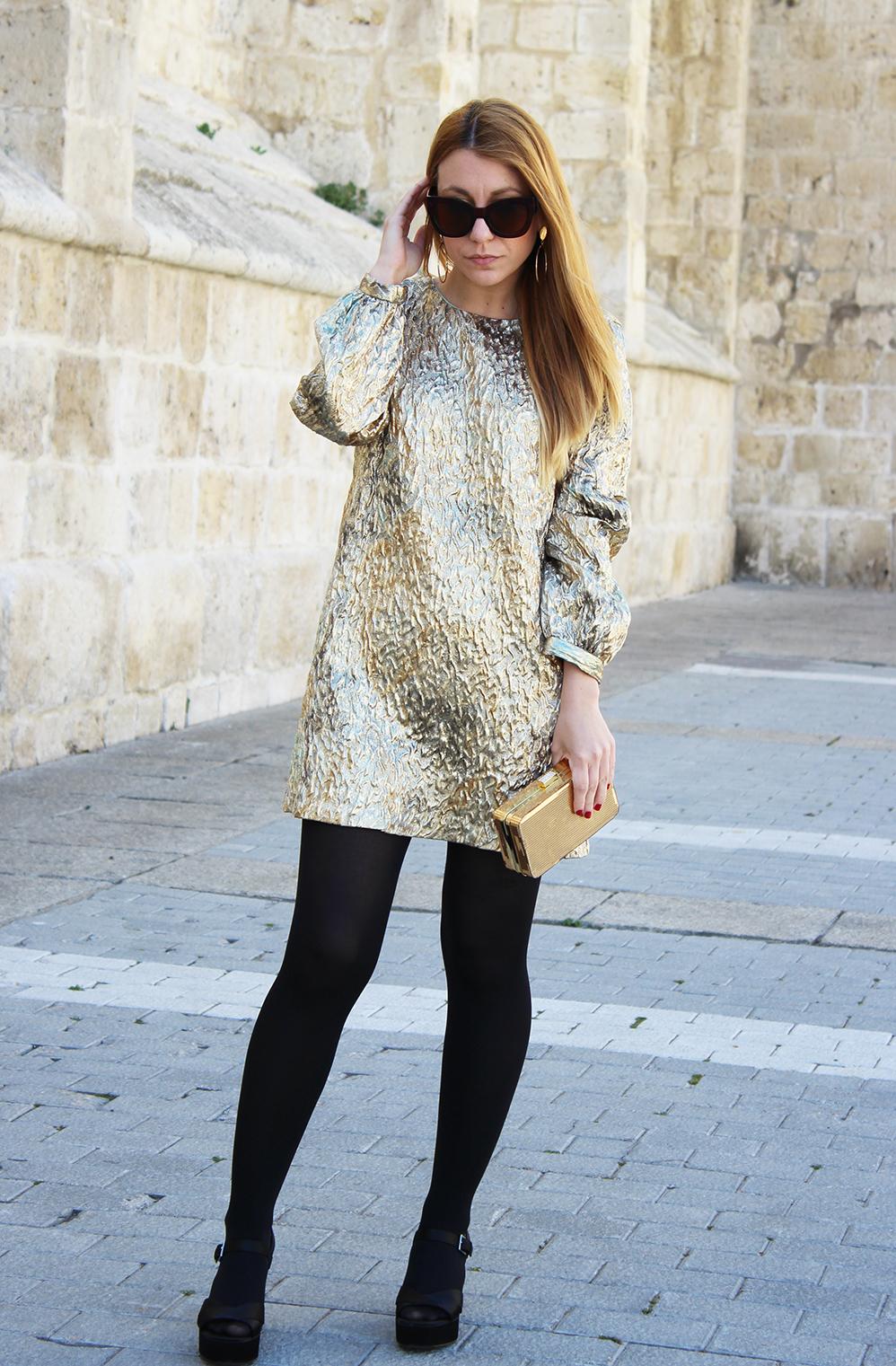 Vestido dorado Zara