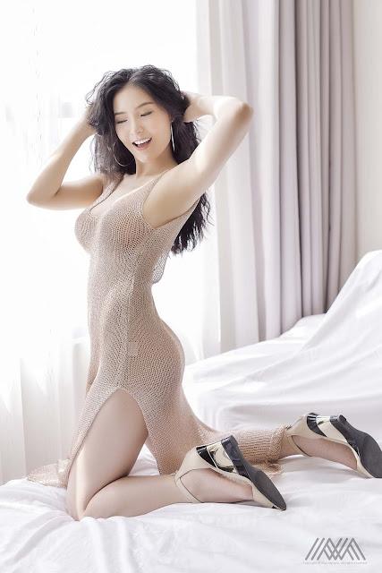 Bùi Nam Phương Sexy với Váy Xuyên Thấu