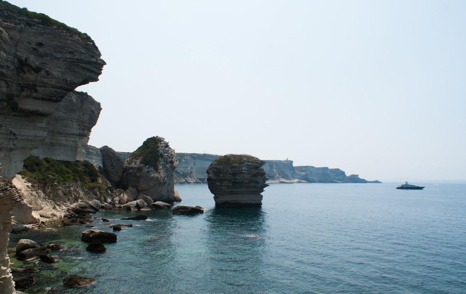 bonifacio corse corsica été falaise cliff mer sea grain de sable