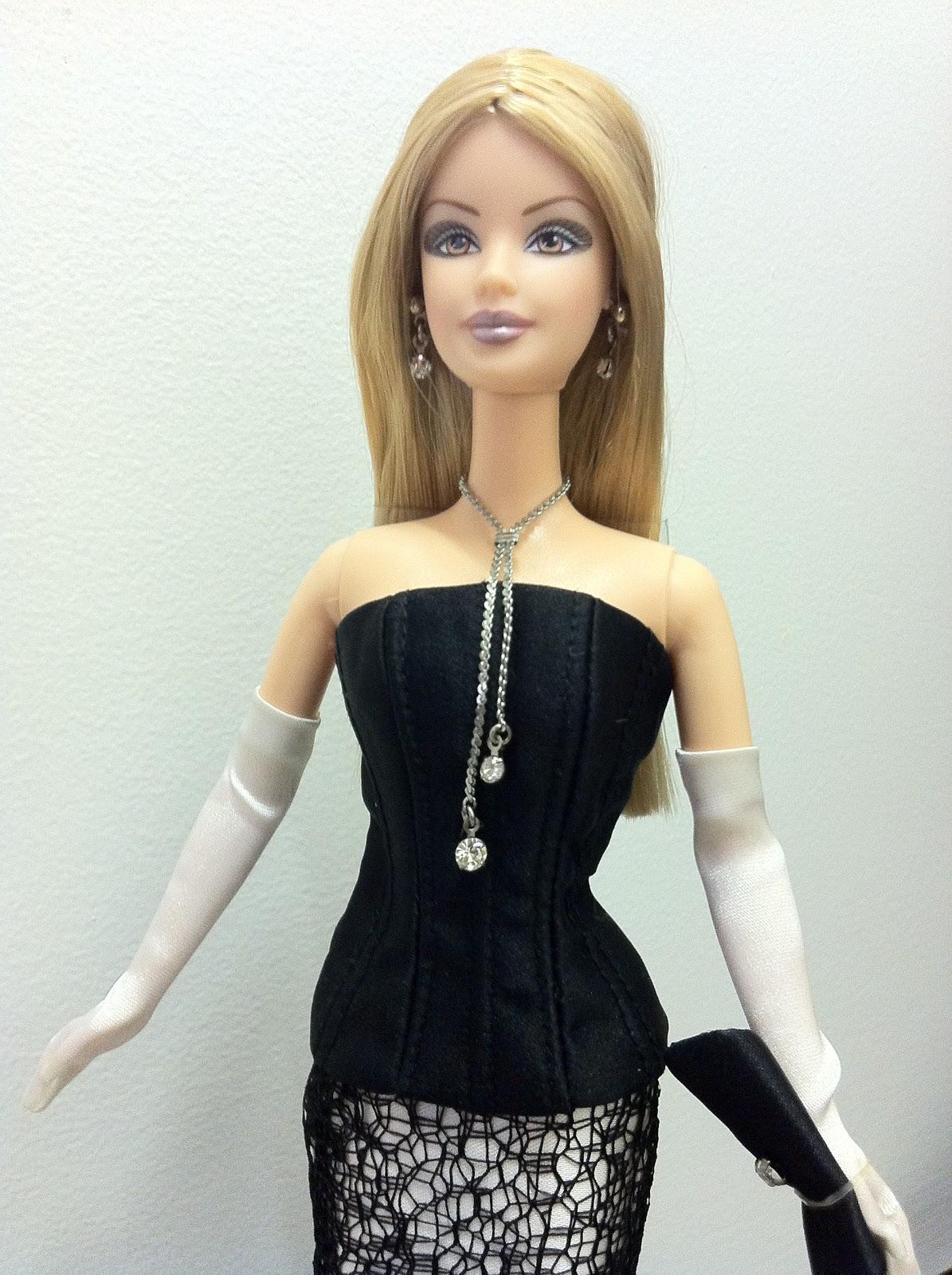 Barbie DeBoxed Society Girl