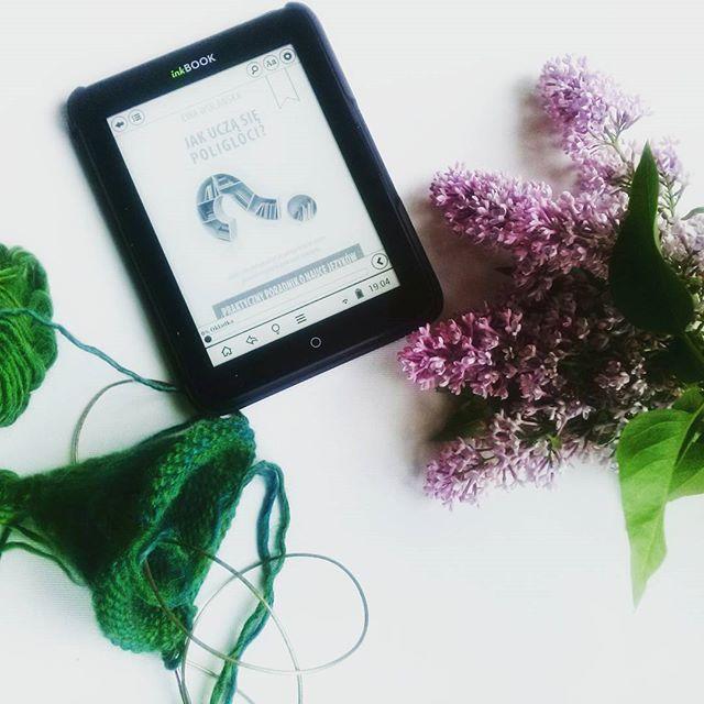 wspólne dzierganie i czytanie