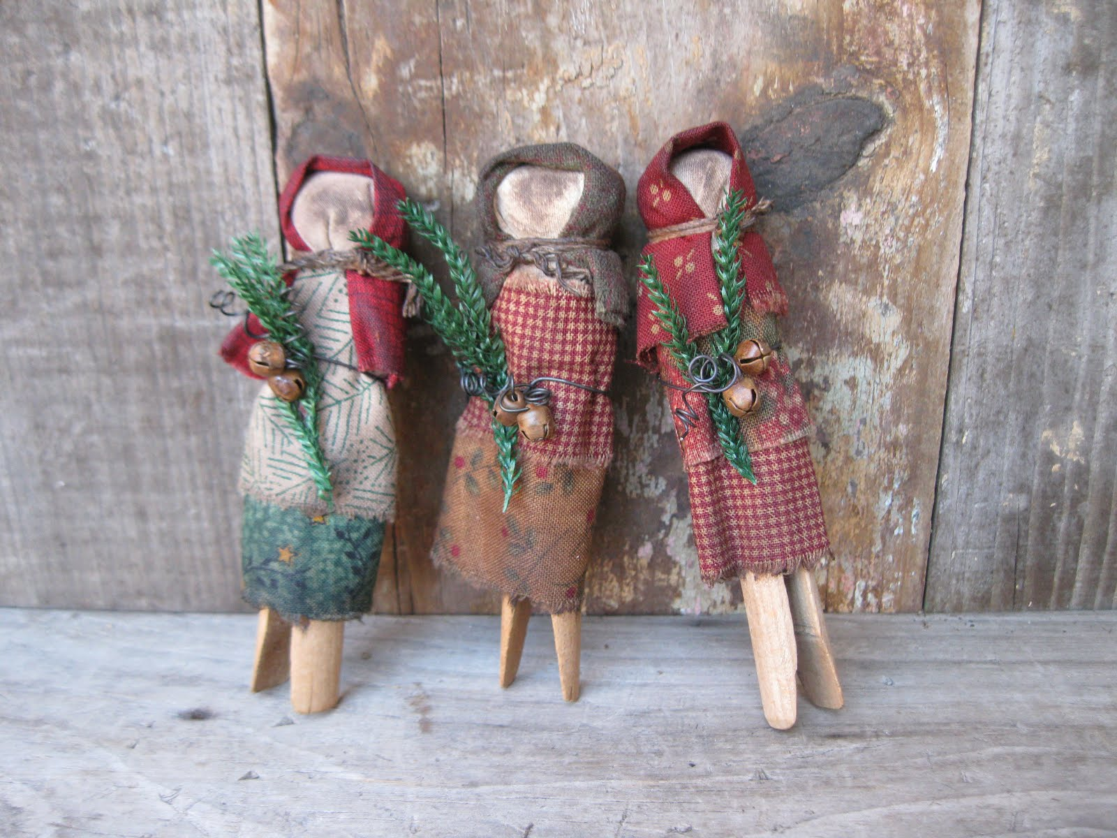 Primitives from the Iowa Prairie: Clothespin Dolls are Done!