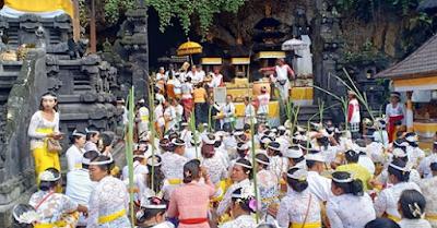 Mantra Memasang Bija Pada Dahi, di Bawah Tenggorokan, dan Ditelan Dalam Hindu