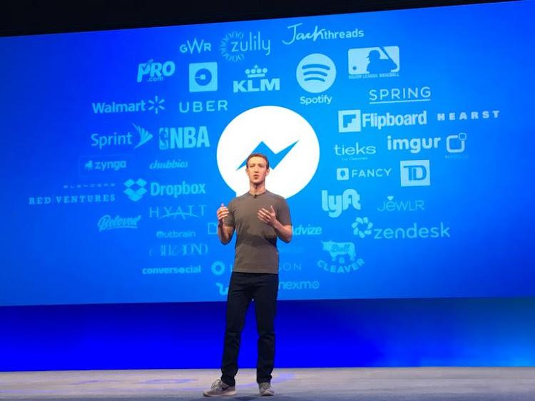 Марк Цукерберг на конференции F8 2016 рассказывает о ботах