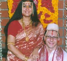 Tara Deshpande Family Husband Son Daughter Father Mother Marriage Photos Biography Profile.