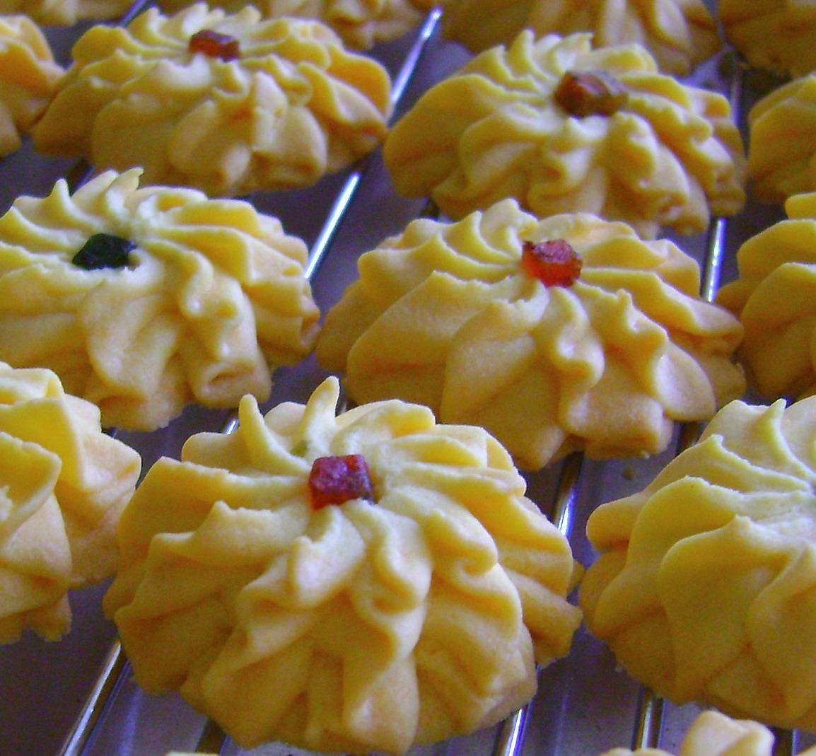 coretan  dapur biskut dahlia Resepi Biskut Guna Tepung Kastard Enak dan Mudah