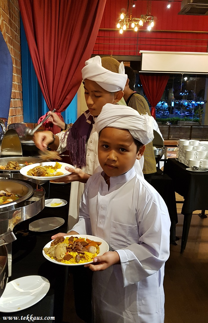 Ramadhan Buffet Dinner at Cofeology Cafe & Restaurant Bukit Beruang Melaka