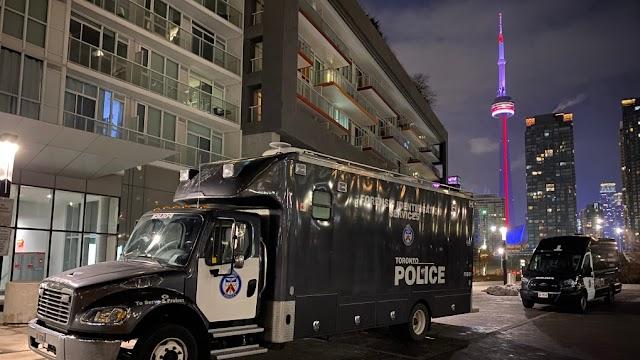 Tüzet nyitott a bulizókra egy fegyveres Torontóban, többen meghaltak