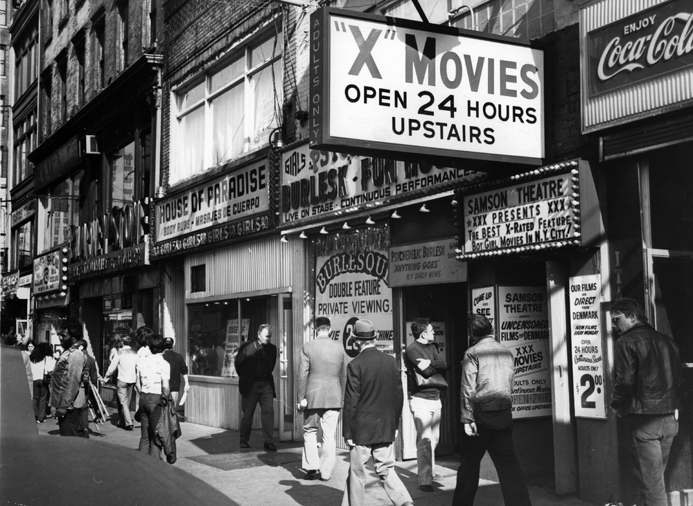 16 interesting black and white photos of times square in