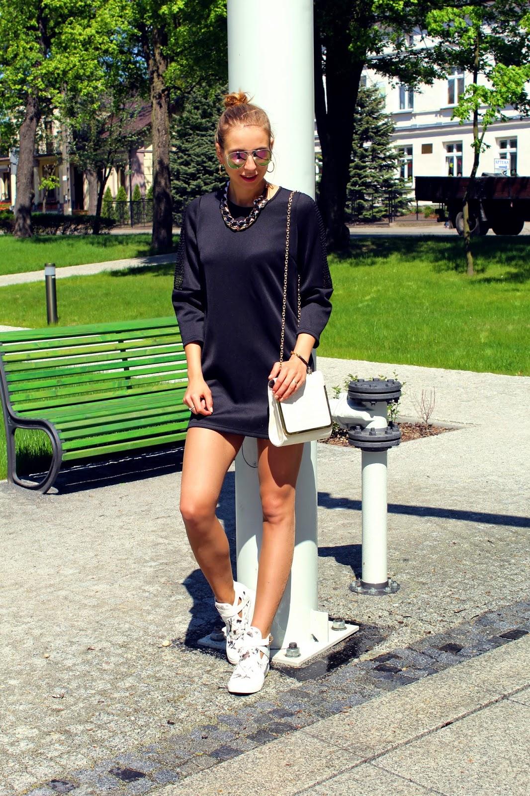 Sandicious: fashion&DIY: Black dress & sneakers Mała