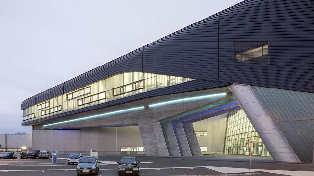 3. BMW Central Building (2005) di Leipzig, Germany