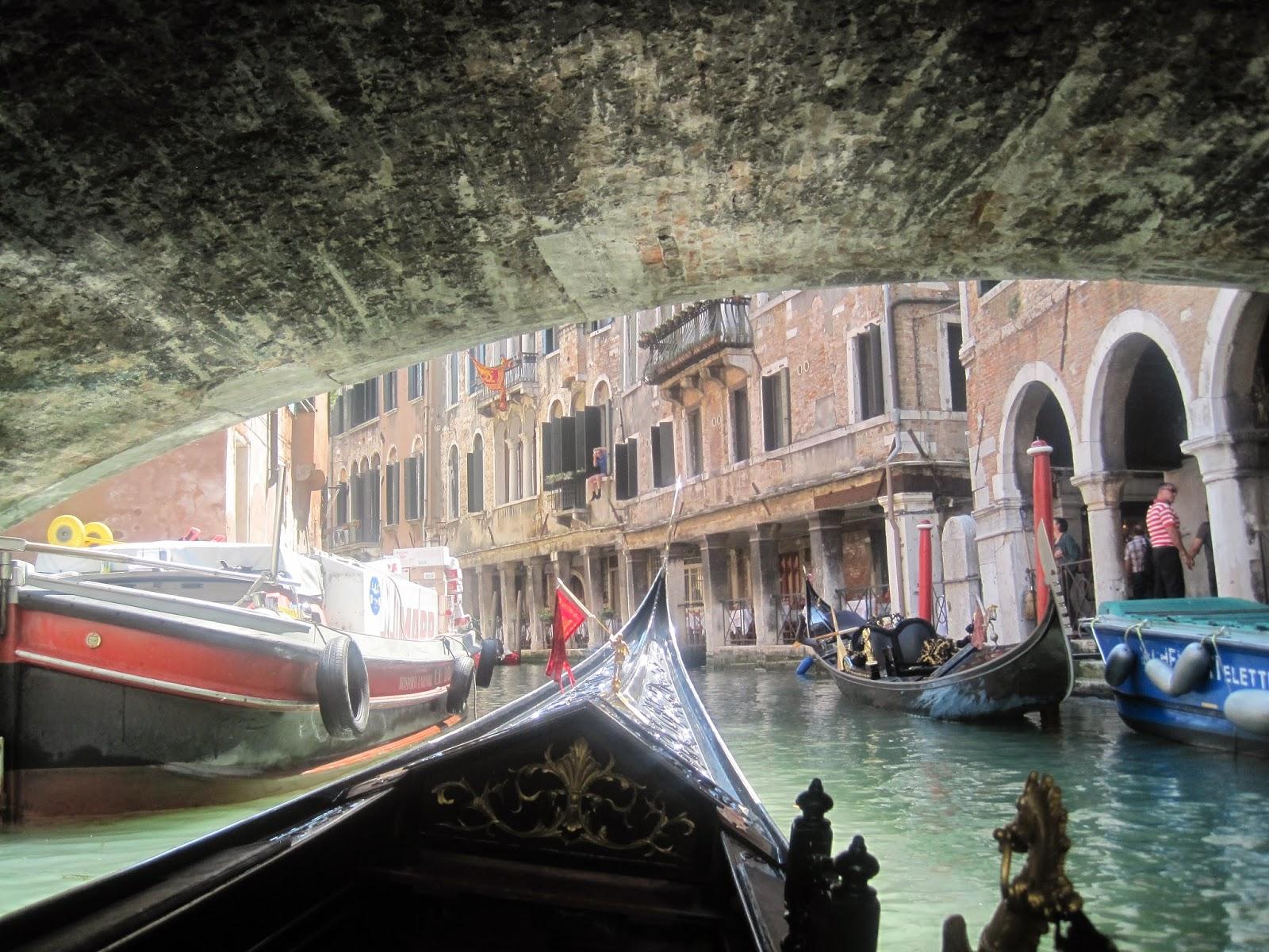 Venice-Explore-Gondola