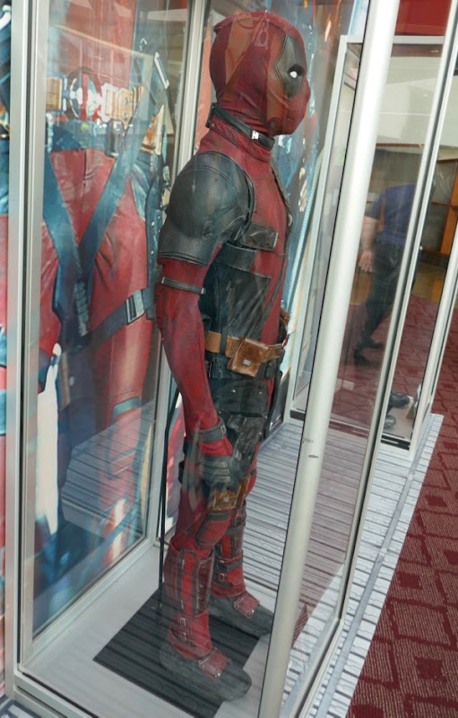 Deadpool 2 film costume