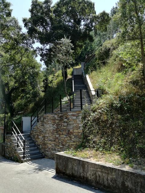 Acesso através de escadas