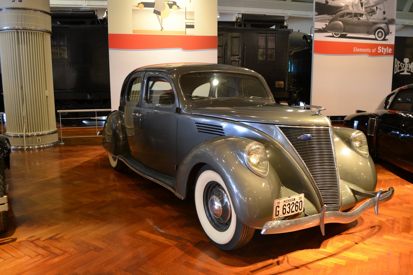 1936 Lincoln Zephyr. Музей Генри Форда. Дирборн, Мичиган (Henry Ford Museum, Dearborn, MI)