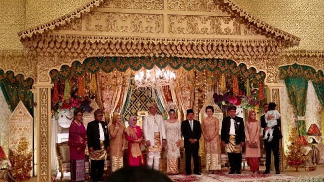 Resepsi Pernikahan Anak Oesman Sapta