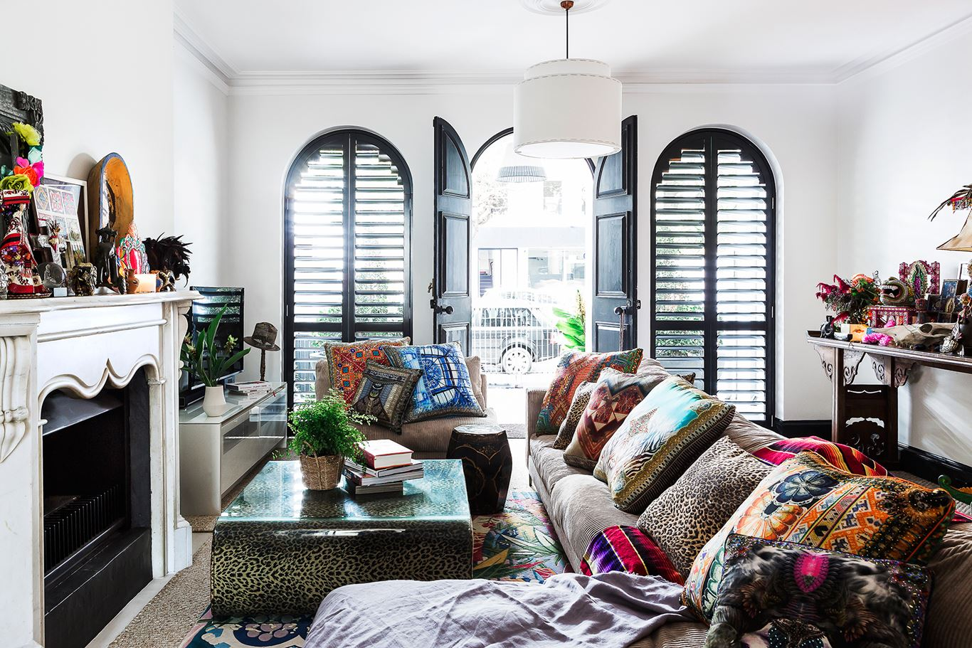 Designer Camilla Franks Has Layered Her Sydney Sanctuary With A Medley Of  Color, Prints, Bohemian Touches And The Trappings Of Travel With Style.