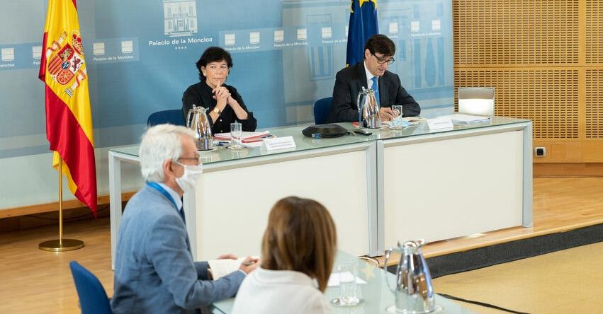 España flexibiliza requisitos para contratación de docentes