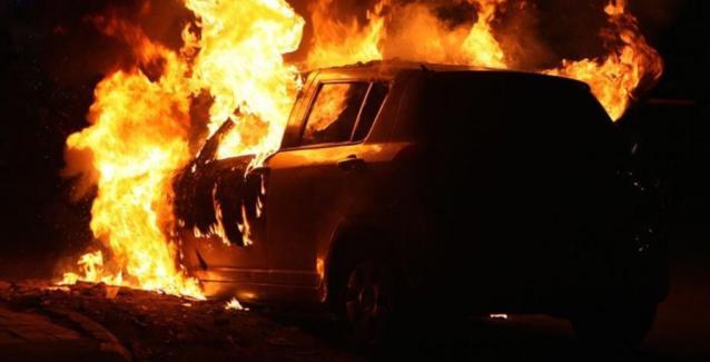 Έκαψε το αυτοκίνητο του πατριού του γιατί του πήρε το τηλεκοντρόλ της τηλεόρασης