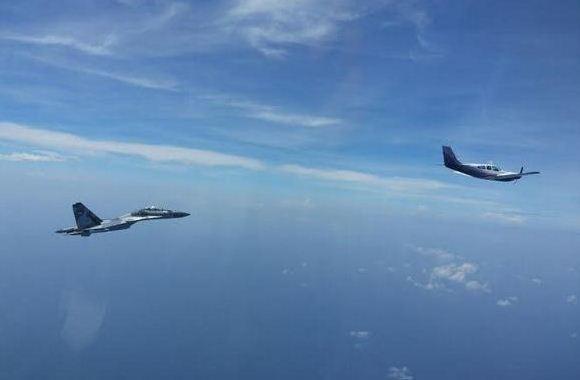 Sukhoi Su-30 lakukan force down pesawat Australia