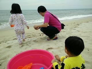 Teluk cempedak, kuantan, main pasir