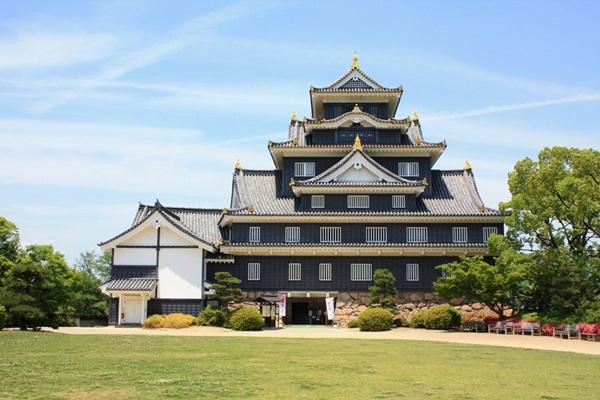 ปราสาทโอคายาม่า (Okayama Castle) @ www.okayama-japan.jp