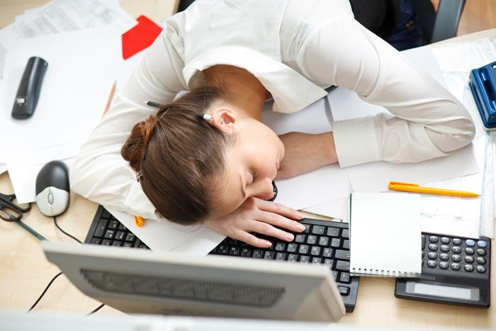 Ghế ngủ nhân viên: Giới văn phòng và giấc ngủ trưa