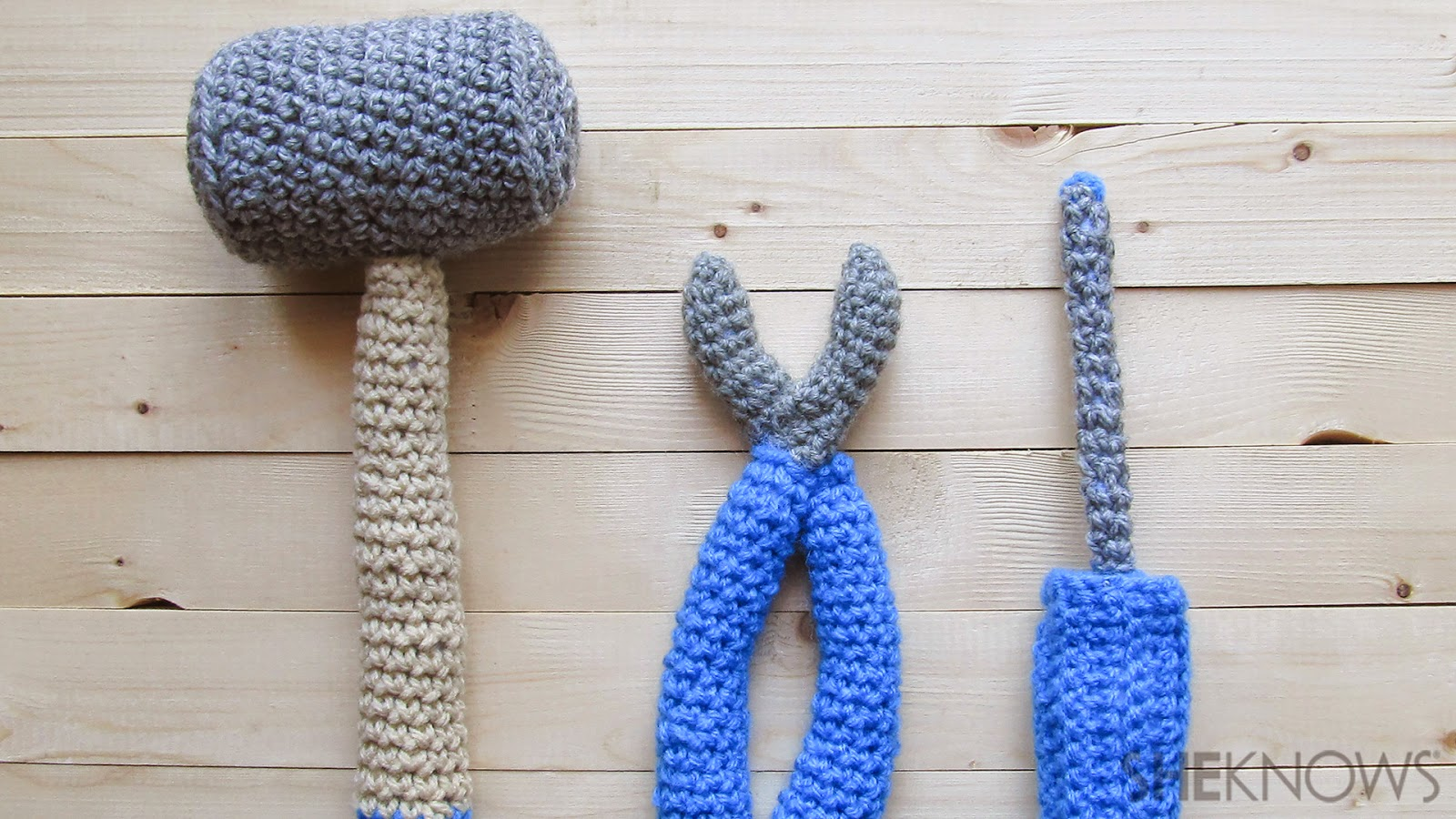 http://www.sheknows.com/living/articles/1038605/crochet-tools-for-fathers-day