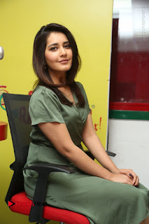 Actress Raashi Khanna Stills in Green Short Dress at Mirchi 95 Suno Aur Mercedes Jeeto Contest  0133.JPG
