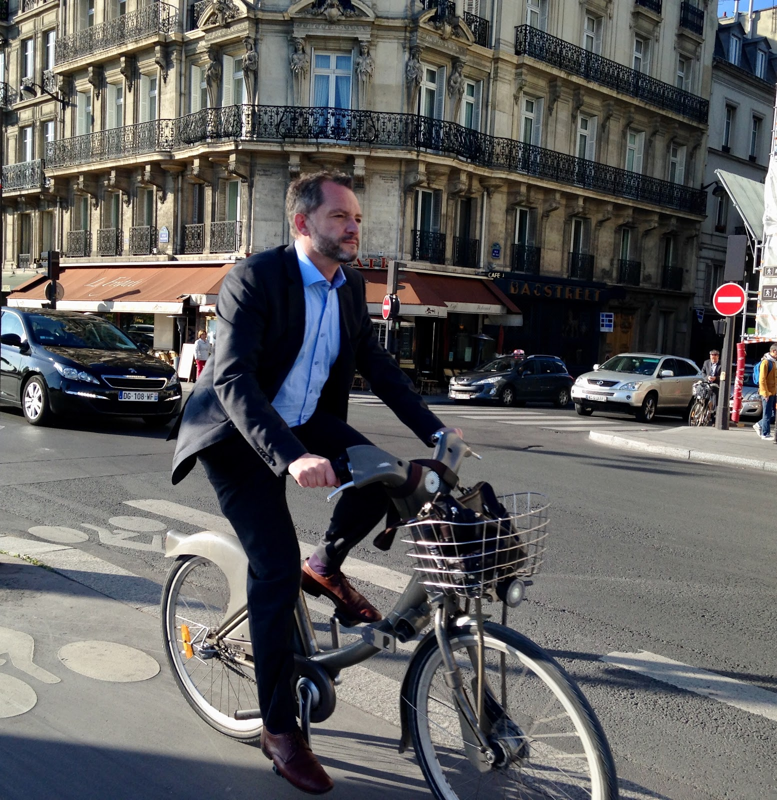 Cycing in Paris