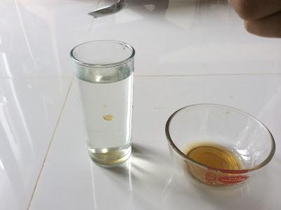 Giọt mật ong chảy thẳng xuống đáy ly là Mật Ong THẬT