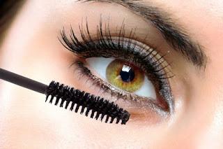 Mascara maison pour renforcer les cils et apporter de la volume