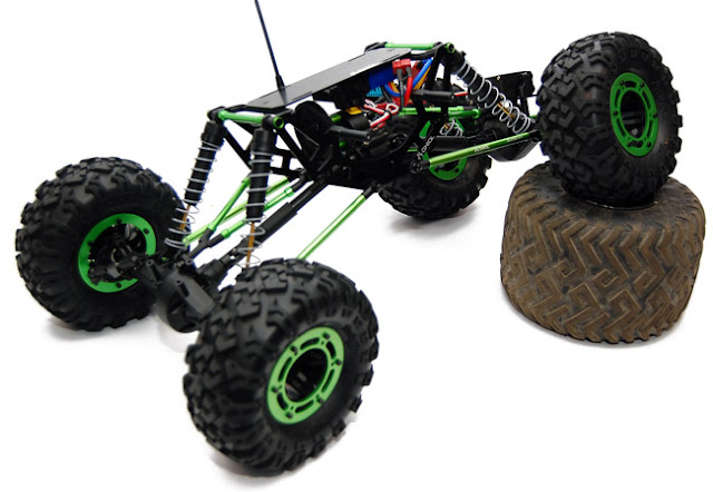 Axial AX10 articulation
