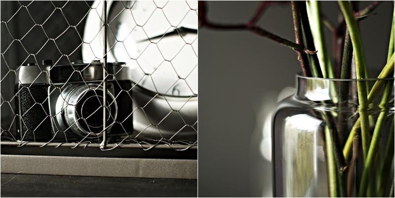 Blog + Fotografie by it's me! - Flower Friday, Collage von analoger Kamera in einem Drahtkorb und Blütenstielen in einer Glasvase
