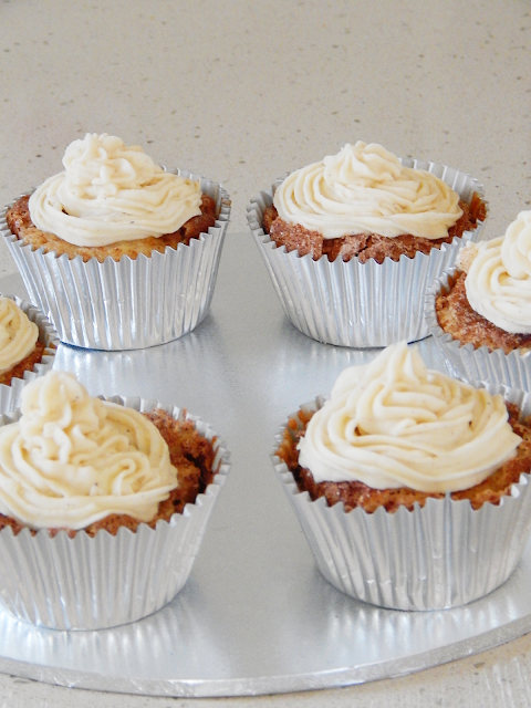 Snickerdoodle Cupcakes With Cinammon Frosting | empoweredinternetwomen