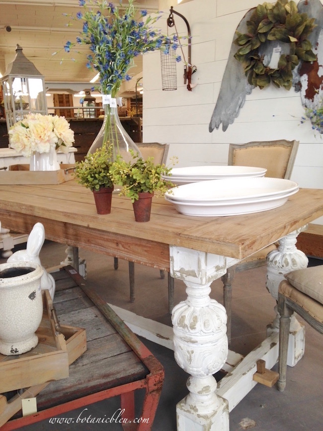 country-farmhouse-table-findery-waco-texas