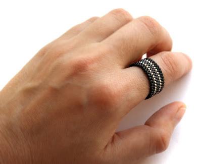 куплю кольцо женское большое черное кольцо на указательный палец