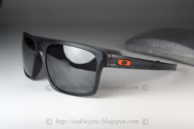 fd8d15575b Custom Sliver F matte black + black iridium  260 lens pre coated with Oakley  hydrophobic nano solution comes with complete original Oakley package