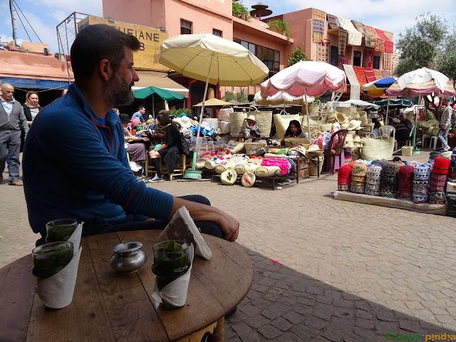tomando un té en Marrakech
