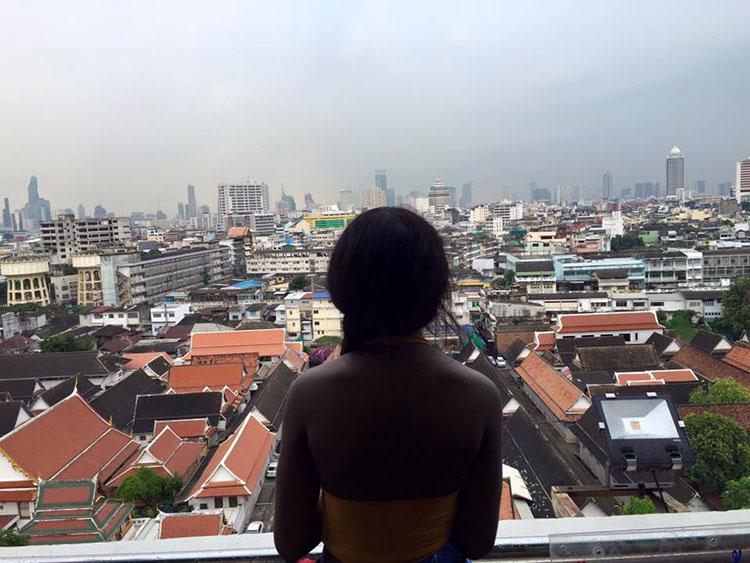 solo travel black woman