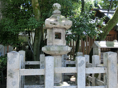 京都:八坂神社忠盛燈籠