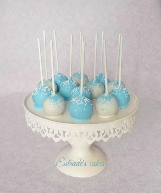 cake pops en azul y blanco 1