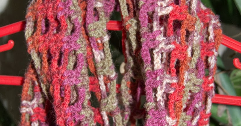 Нескучные шарфики: шарф-башлык, шарф -снуд, шарф - капюшон (несколько моделей на спицах и крючком)