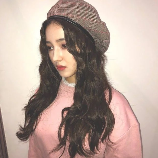7 Idola K-Pop Wanita Terlihat Semakin Cantik Ketika Menggunakan Topi Baret
