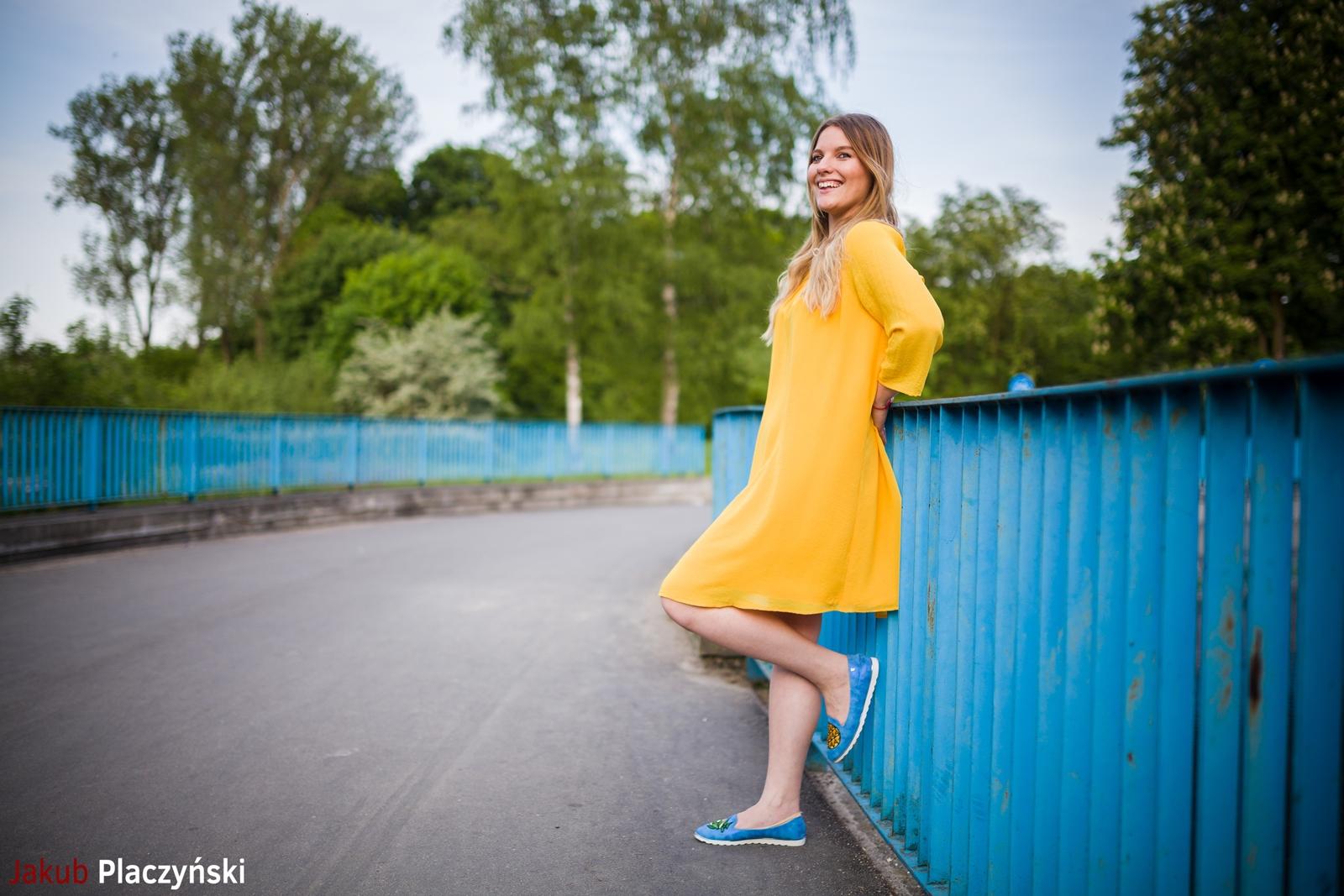 7 żółta sukienka na lato bonprix niebieskie espadryle z ananasem renee shoes reneegirls reneeshoes melodylaniella modnapolka lookbook ootd moda na lato biżuteria piotrowski swarovski