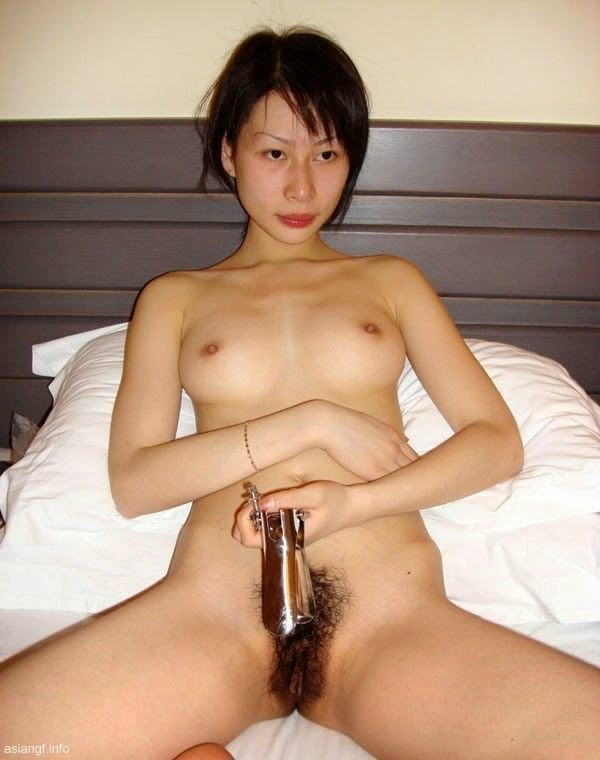 Hot Chinese Babe Poses Her Natural Unshaven Pussy | on the ...