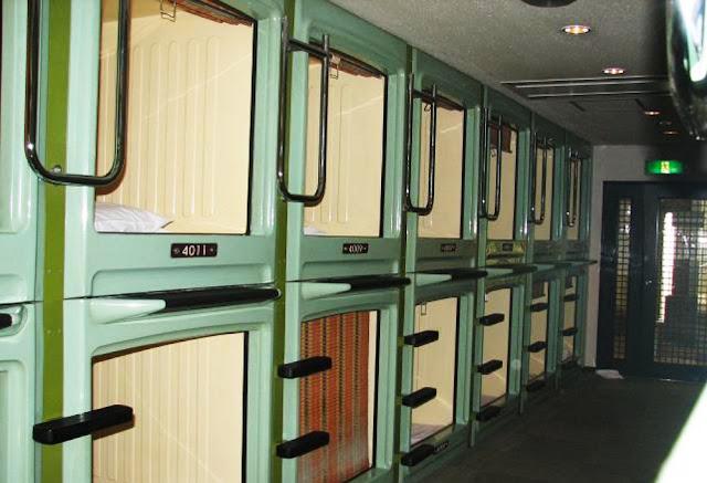hotel japão capsulas dormir carlos romero