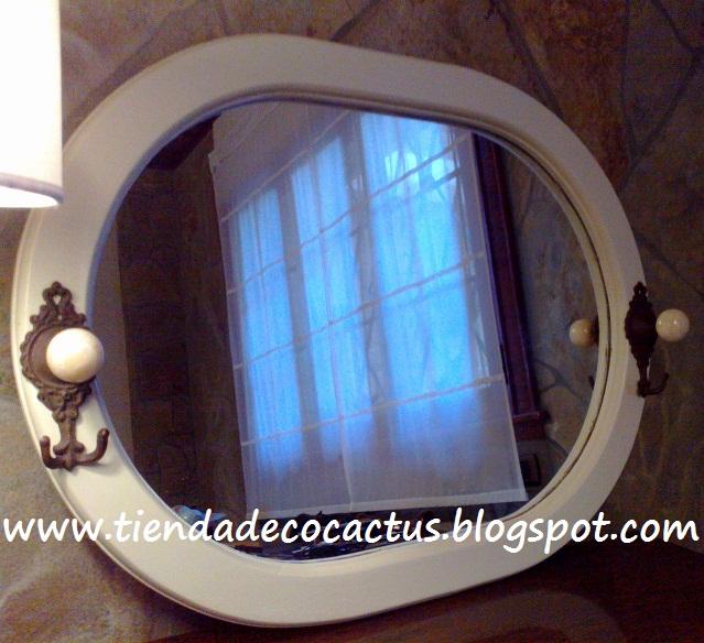 Espejo blanco ovalado tienda deco c for Espejo ovalado blanco