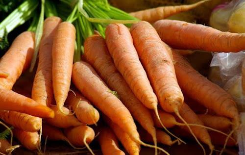 Cara memilih wortel segar untuk dibuat jus